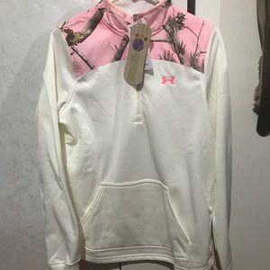 BRAND NEW!! Women's under armour half zip jacket!!